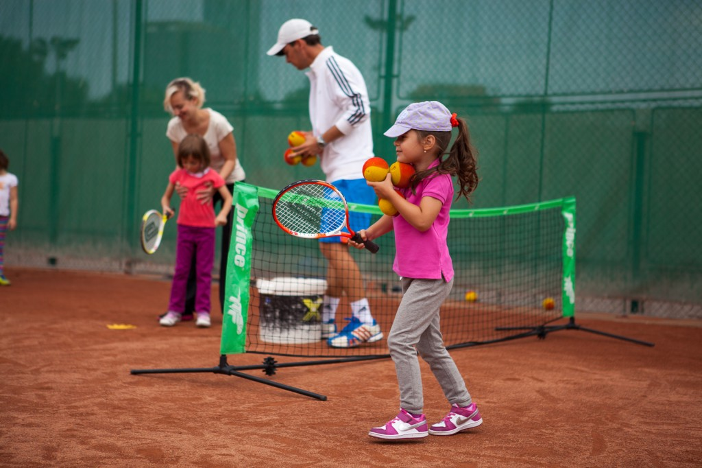 Tenis pentru copii la Summer Camp