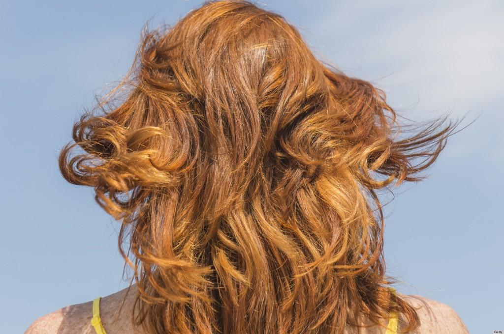 Protejează-ţi părul pe timp de vară în 4 paşi simpli - www.elacraciun.ro