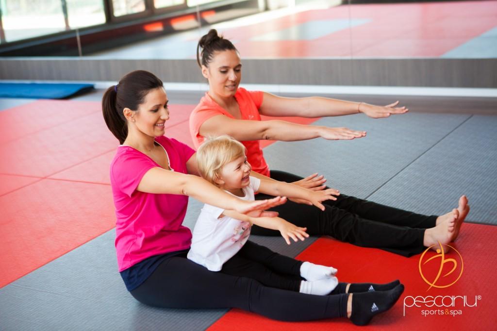Alesia la yoga pentru copii
