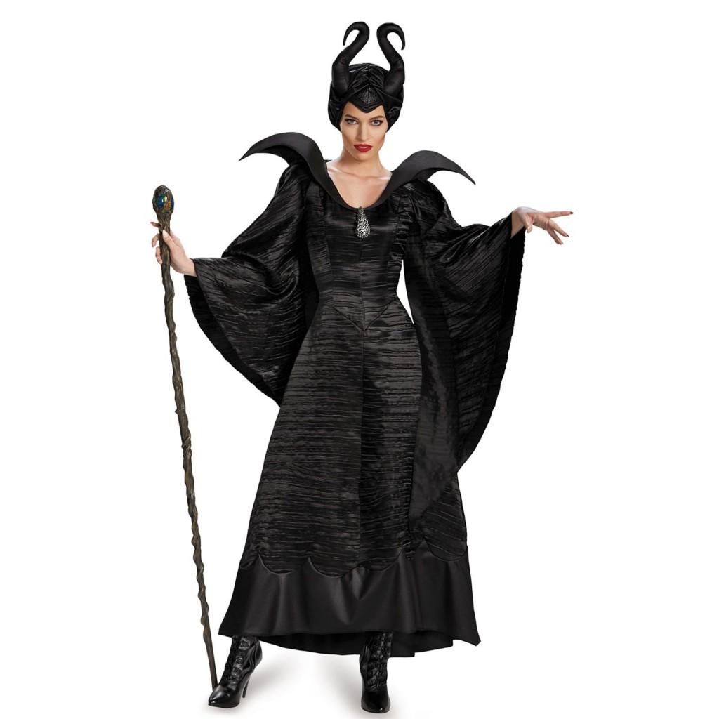 Femeile prefera costumele din Maleficent