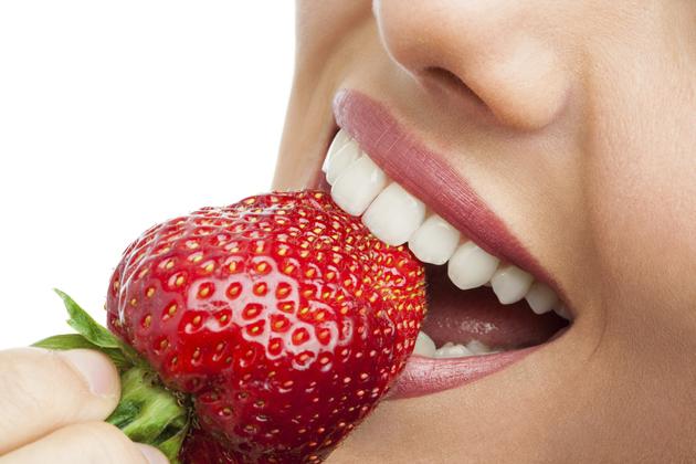 Albirea dinţilor: beneficii sau dezavantaje?