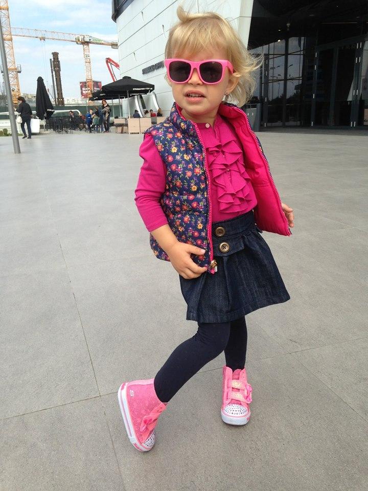 Când e copilul mic şi îl îmbrăcăm, el vede şi deprinde obiceiurile bune