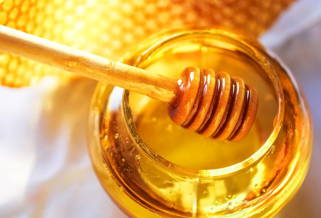 Mierea, hrană vie