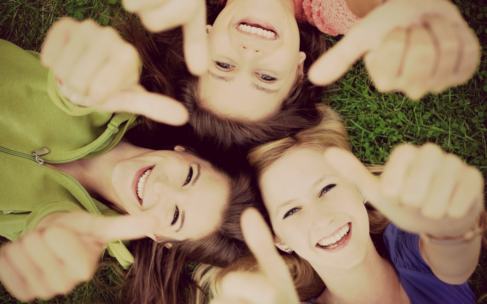 mood-girls-smile-happiness-nature-hd-wallpaper