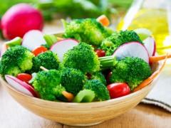 Cele mai sănătoase alimente au și cele mai puține calorii. Iată 20 dintre ele!