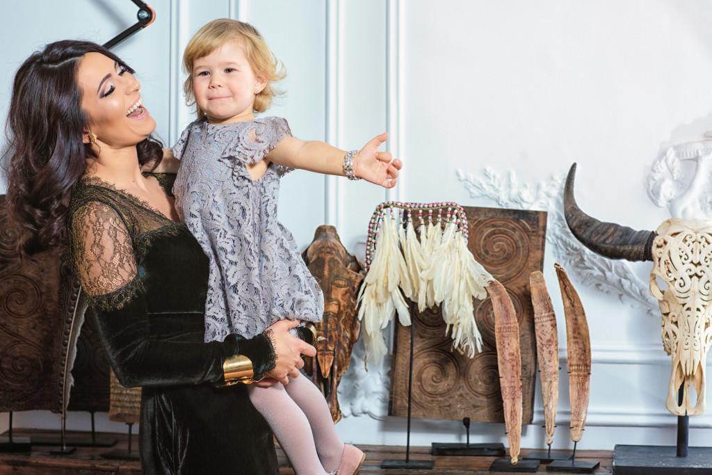 Care sunt greşelile pe care le face o mamă în relaţia cu copilul?