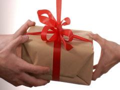 I-a făcut un cadou neobișnuit…peste cățiva ani, ea înțelegea de ce!