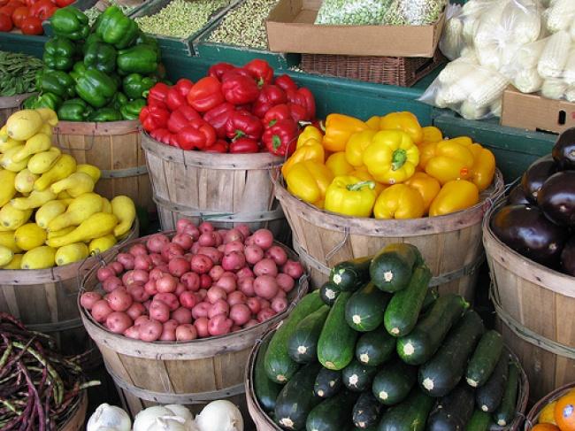 3293705-farmers-market-veggies-1467385537-650-8f3cf1384d-1470403994