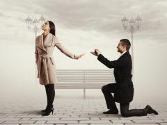 Un băiat sărac era îndrăgostit de fata unui om bogat. Într-o zi, băiatul i-a cerut mâna. Povestea lor este INCREDIBILĂ!