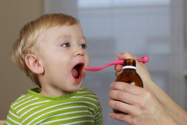 Medicamente de sinteză, odată ajunse în organismul copilului, vor lăsa urme