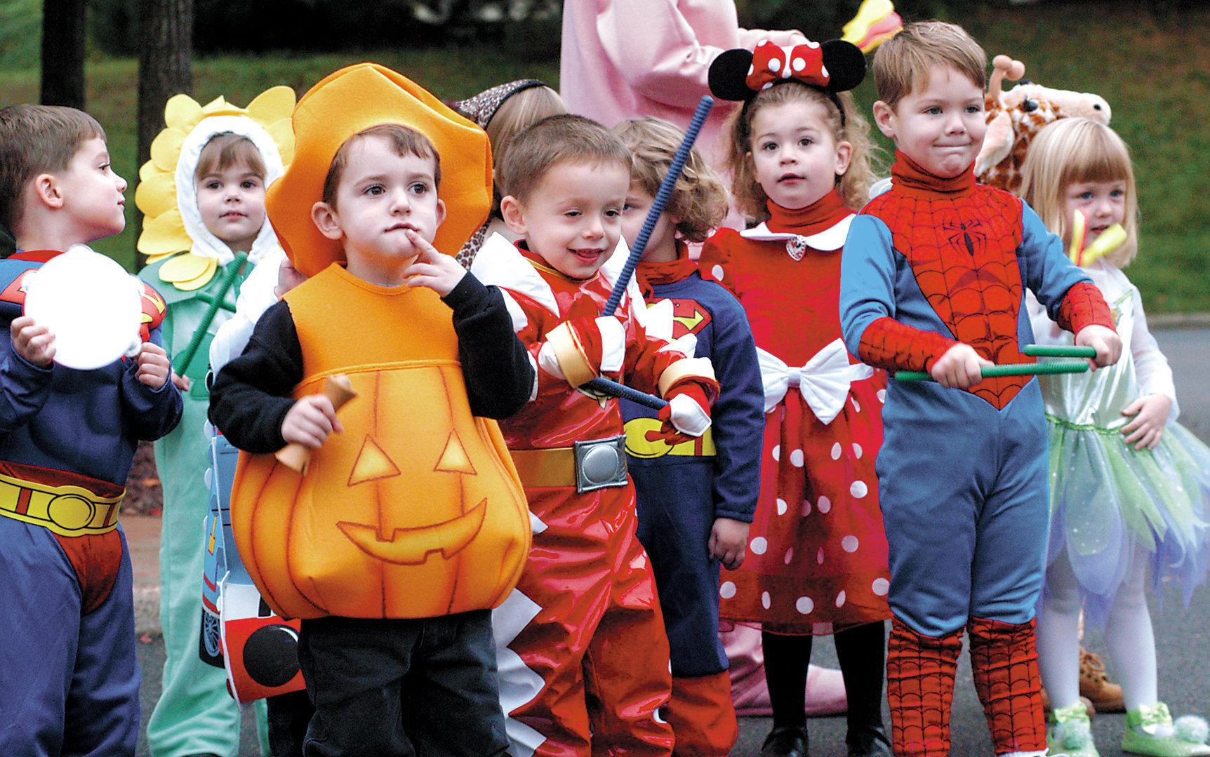 Top 5 costume de Halloween pentru copii și adulți