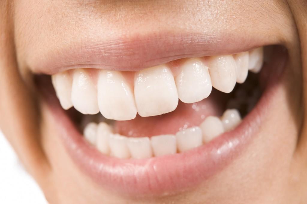 Un smalţ sănătos ne fereşte de bolile cavităţii bucale