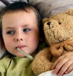 Cum tratăm răcelile copiilor în sezonul rece?