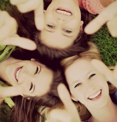 De la salut la compliment: Măsura fericirii