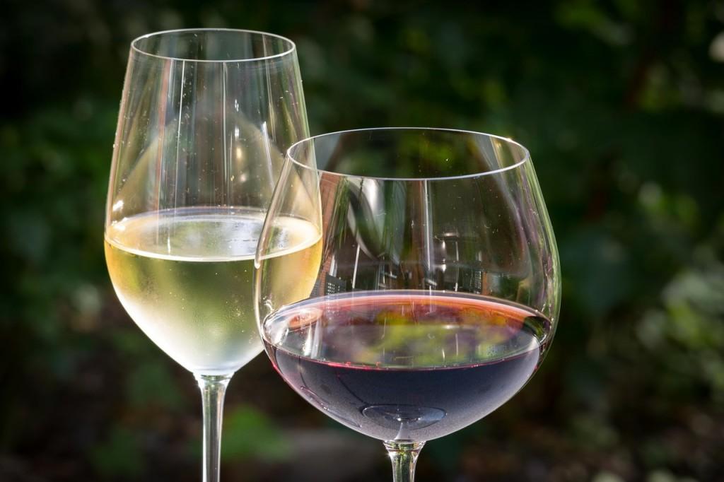 vin alb rosu