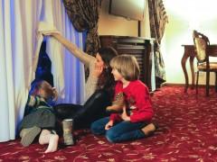 Cu Moş Nicolae la psiholog: cum alegem cadourile pentru copiii năzdrăvani?