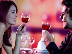 6 lucruri pe care să nu le discuți la prima întâlnire