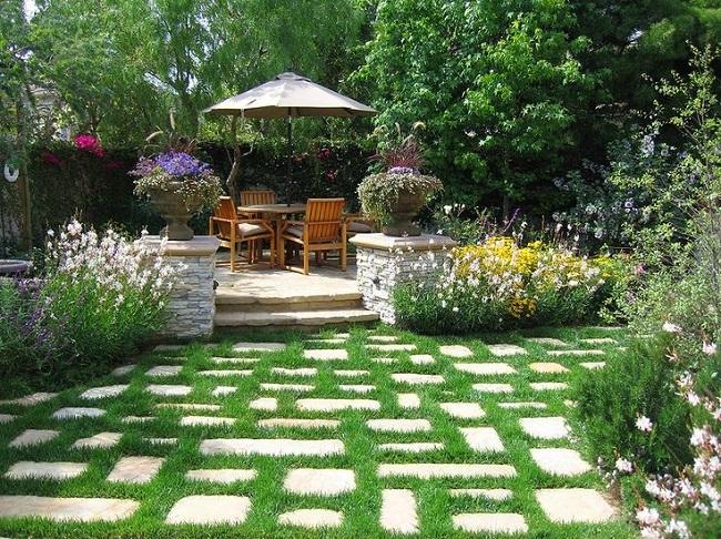 10-amenajarea-si-decorarea-unei-gradini-mici-cu-flori-si-arbusti