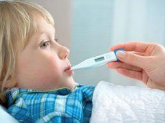 4 metode de a reduce febra copilului