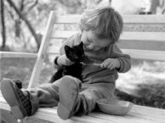 16 fotografii care demonstrează de ce e bine să iei un animal de companie copilului