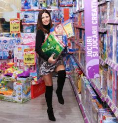 Lista de jucării a doamnei Crăciun este gata! Idei de cadouri inspirate pentru copii
