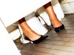 8 lucruri DEZGUSTĂTOARE pe care femeile recunosc că le fac