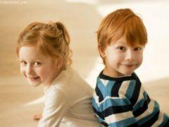 12 fotografii în care se vor regăsi toți cei ce au frați sau surori