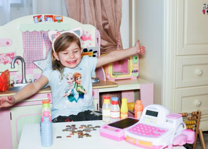 Ce trebuie să știe copilul tău despre bani?
