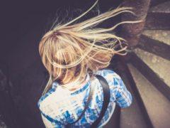 10 remedii naturale pentru a scăpa de mătreață